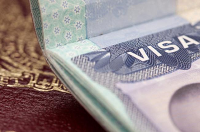 Votan a favor de la exención de visados a colombianos y peruanos a la Union Europea