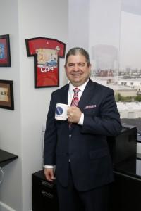 """""""OAG está muy orientada a las relaciones duraderas con clientes. Nuestro primer cliente de negocios fue en 1995. Hoy continua siendo cliente de la oficina"""", afirmó Pablo E. Ortiz."""