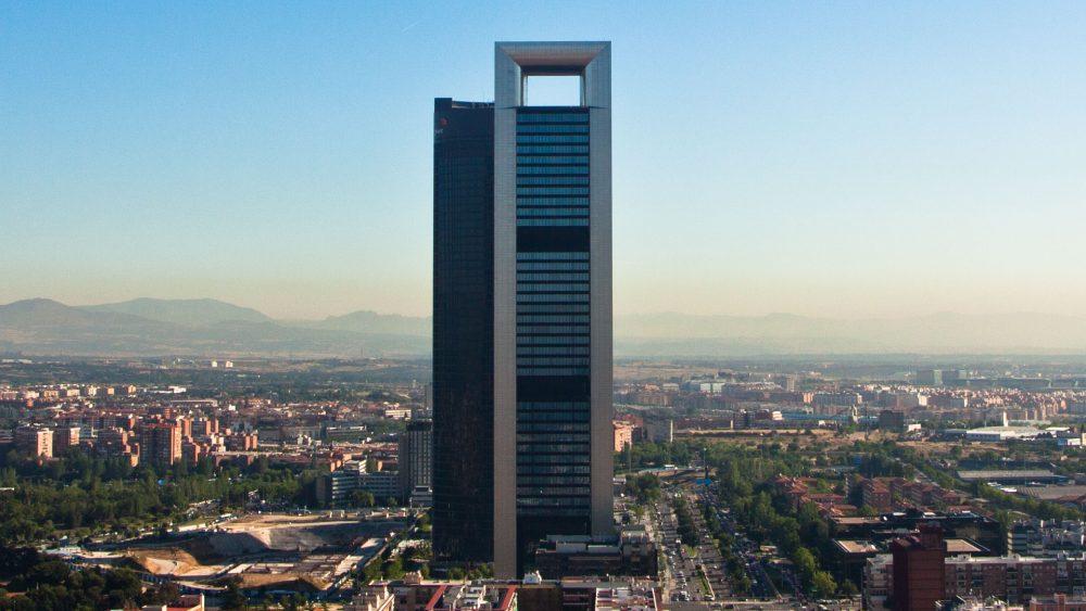 EL PROPIETARIO DE ZARA COMPRA RASCACIELOS DE MADRID