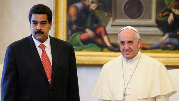 PAPA FRANCISCO, ¡DÉ UN PASO ATRÁS EN VENEZUELA!