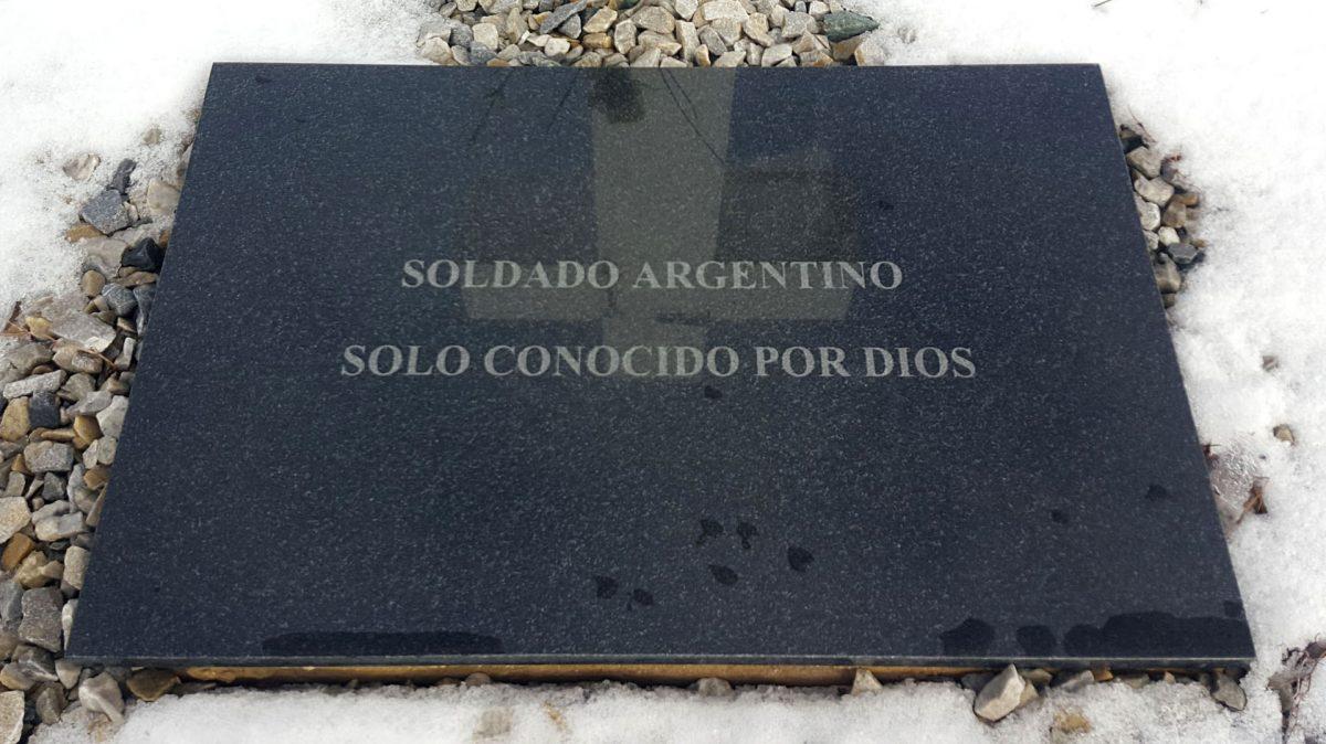 HALLAN RESTOS DE 88 SOLDADOS ARGENTINOS EN MALVINAS