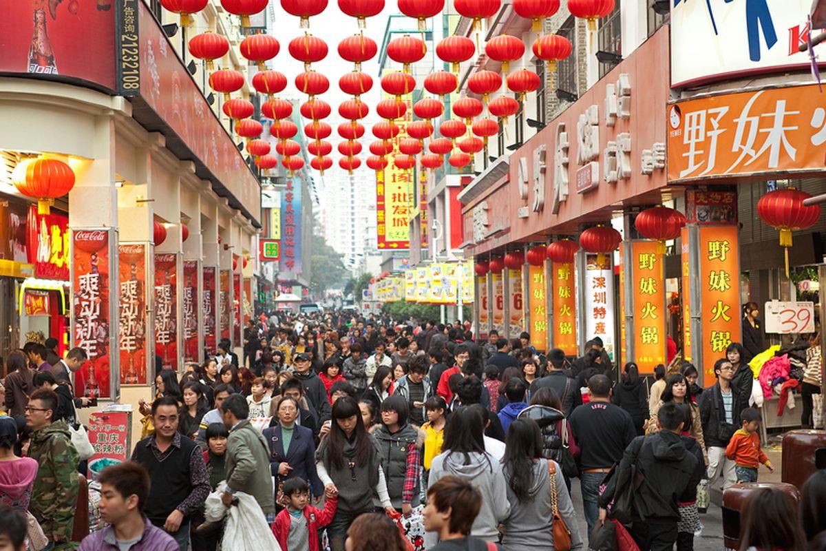 CÓMO ESTÁ AFECTANDO EL PATRIOTISMO DE LOS CONSUMIDORES CHINOS A LAS MARCAS ESTADOUNIDENSES E INTERNACIONALES