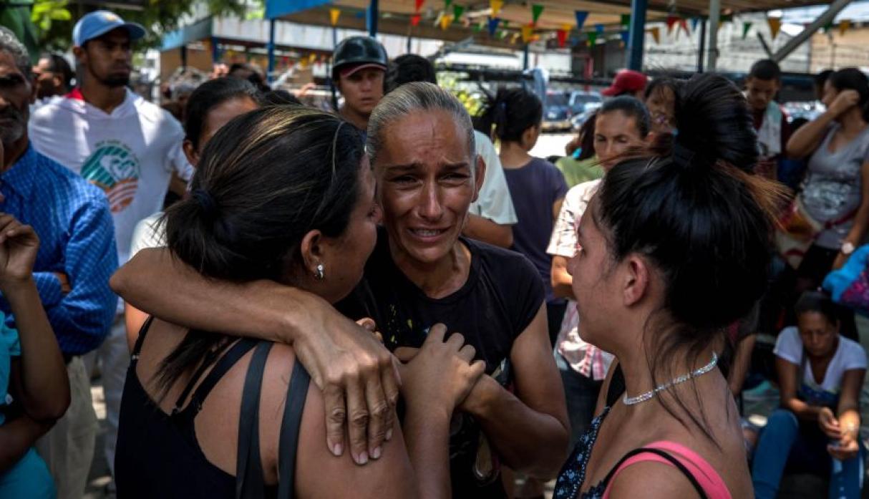 TERRIBLE INCENDIO EN COMANDO GENERAL DEJA 68 MUERTOS EN VENEZUELA