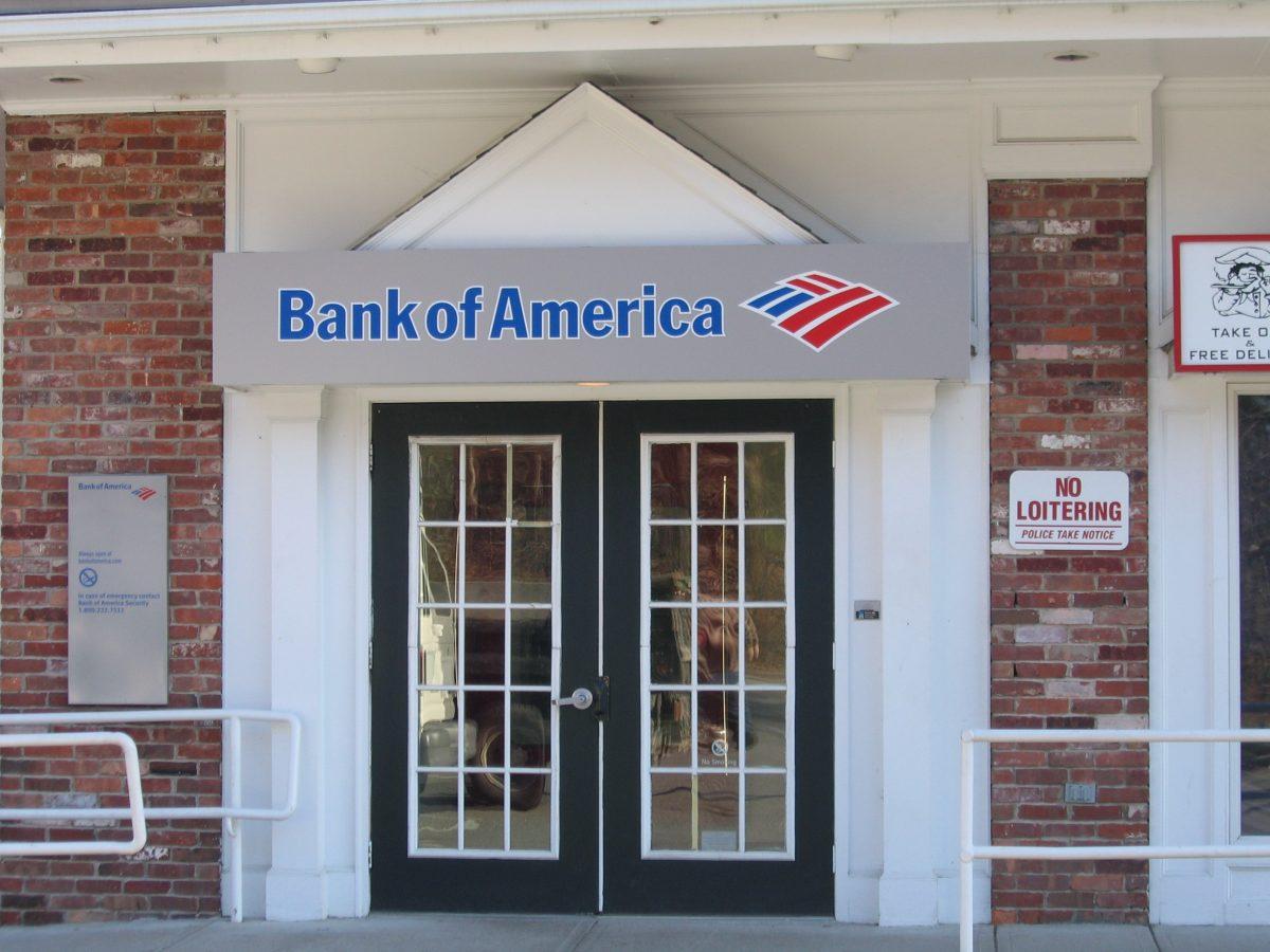 BANK OF AMERICA SUBE EL SALARIO A $21 EN EE.UU. Y SE PROPONE LOS $25 PARA EL 2025