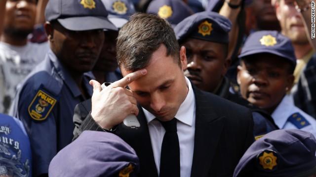 La defensa de Oscar Pistorius solicita aplazar juicio