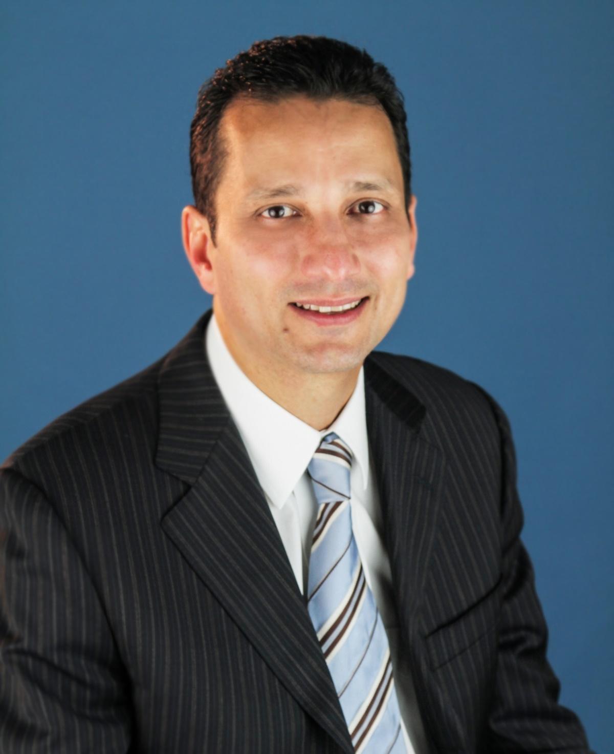 CARLOS J. DÁVILA