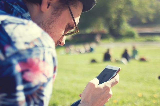 NUESTRO ESTADO EMOCIONAL INFLUYE A LA HORA DE RECIBIR NOTIFICACIONES EN LOS SMARTPHONES