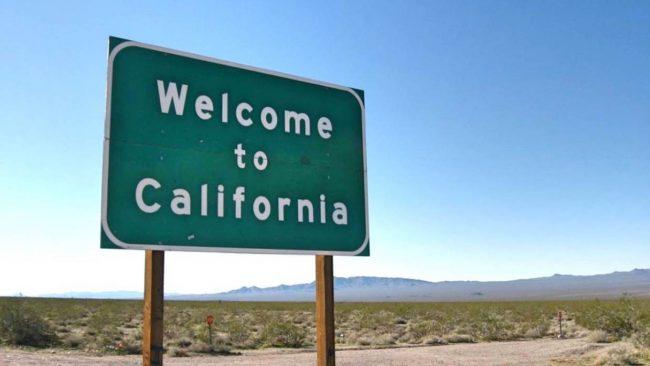 CALIFORNIA IMPONE TOQUE DE QUEDA NOCTURNO POR EL CRECIMIENTO DE CASOS DE COVID-19