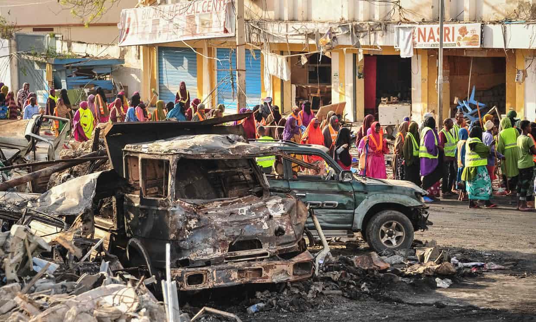 EXPLOTAN 2 BOMBAS EN CAPITAL DE SOMALIA DEJANDO MÁS DE 200 MUERTOS