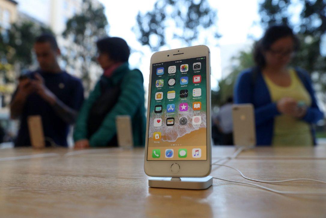 LAS FLOJAS VENTAS DEL iPHONE 8 OCASIONAN BAJA EN LAS ACCIONES DE APPLE