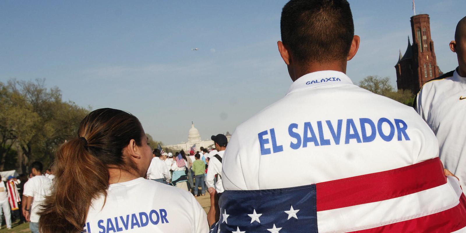 TRUMP ABRE EL CAMINO PARA LA DEPORTACIÓN DE 200.000 SALVADOREÑOS