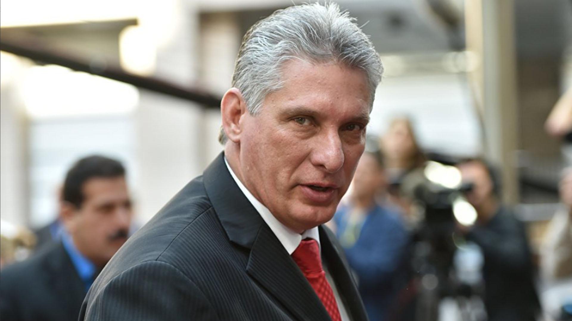 CUBA PRESENTA A SU NUEVO PRESIDENTE: MIGUEL DÍAZ-CANEL