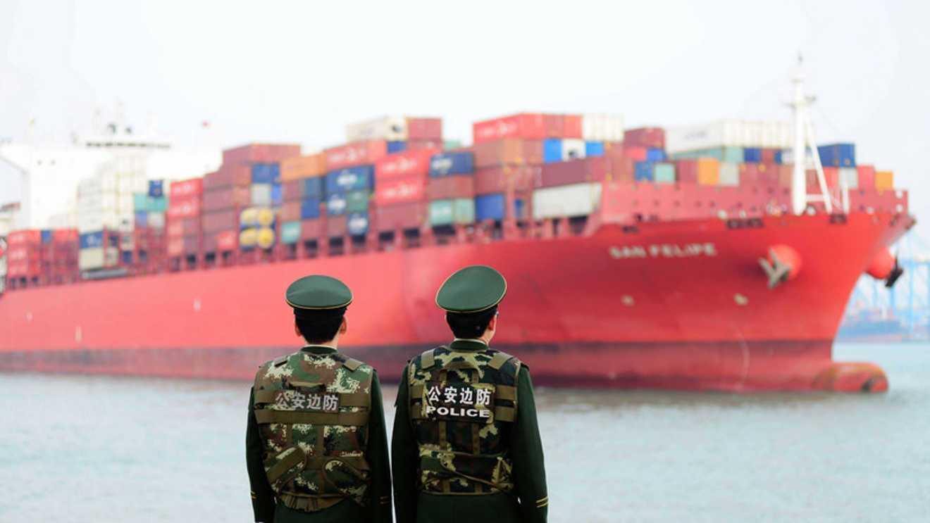 EN RESPUESTA A EEUU, CHINA TAMBIÉN LE FIJA ARANCELES HASTA DE UN 25%