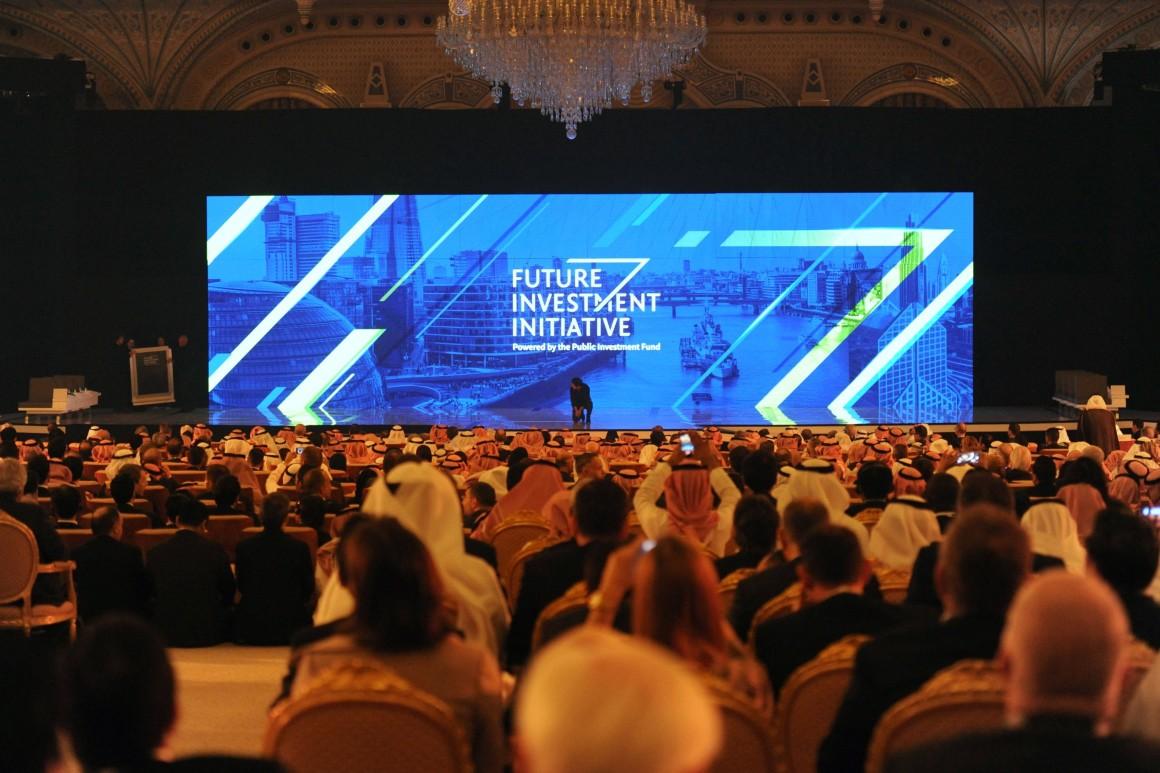 ARABIA SAUDITA VE ACUERDOS POR VALOR DE 50.000 MILLONES DE DÓLARES A PESAR DE LOS BOICOTS