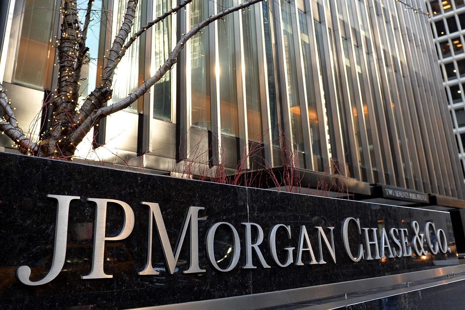 DEUTSCHE BANK, JPMORGAN CHASE, BANK OF AMERICA Y CITIGROUP, CITADOS POR EL CONGRESO