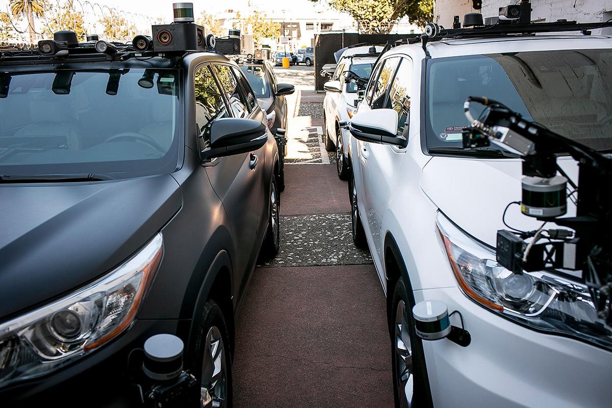 FIRMA GANA EL PERMISO DE PASAJEROS PARA AUTOS DE AUTO CONDUCCIÓN EN CALIFORNIA