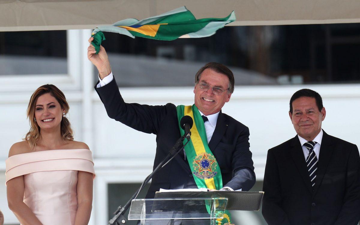 BOLSONARO TOMA POSESIÓN DE SU CARGO EN BRASIL, DICE LA NACIÓN `LIBERADA DEL SOCIALISMO'