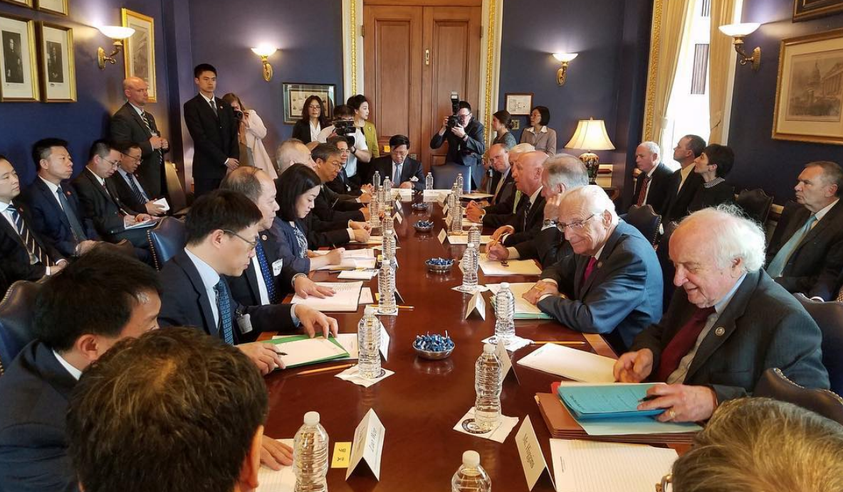 CHINA Y ESTADOS UNIDOS COMIENZAN OTRA SEMANA DE NEGOCIACIONES EN WASHINGTON D.C.