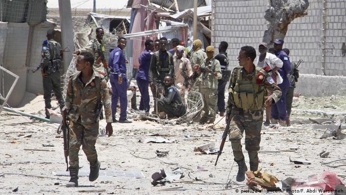 REBELDES EXTREMISTAS ATACAN BASE MILITAR DE ESTADOS UNIDOS EN SOMALIA