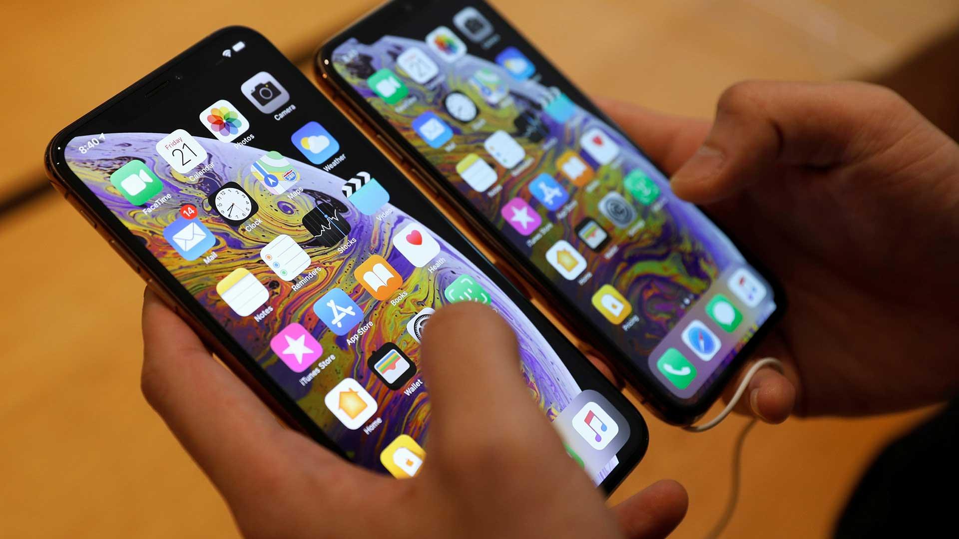 ¿LOS TELÉFONOS MÓVILES SON CADA VEZ MÁS POPULARES QUE LOS INODOROS?