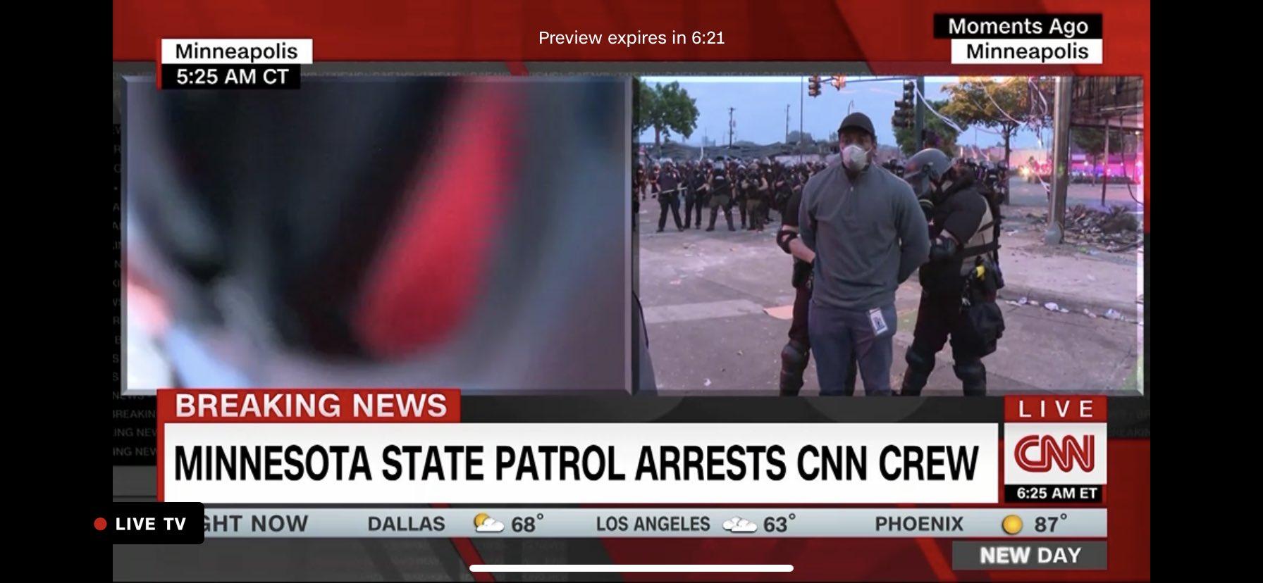 LA POLICÍA DETUVO AL EQUIPO PERIODÍSTICO DE CNN EN MINNEAPOLIS