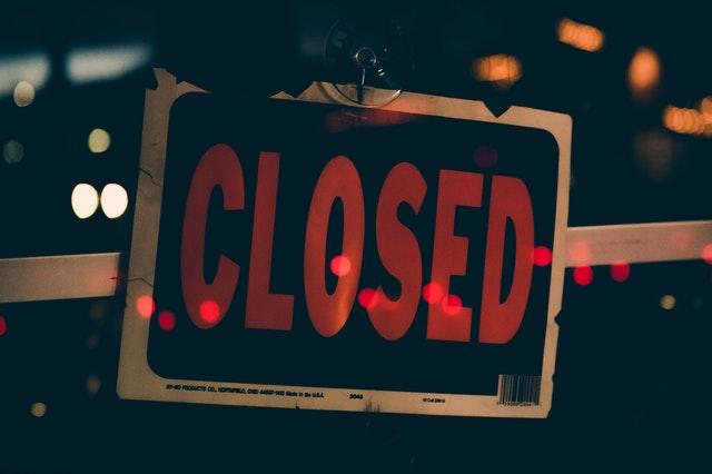 Restaurantes de Miami-Dade deberán cerrar sus puertas a medianoche