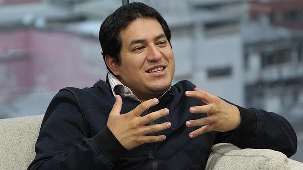 ANDRÉS ARAUZ GANA LAS ELECCIONES EN ECUADOR, PERO IRÁ A SEGUNDA VUELTA