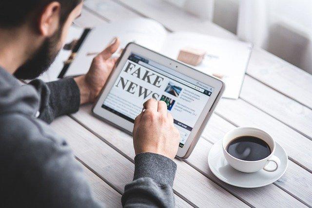 NOTICIAS FALSAS Y TEORÍAS DE CONSPIRACIÓN: UN NEGOCIO QUE DEJA GRANDES GANANCIAS