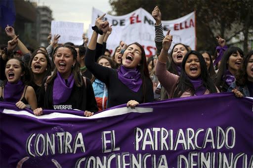 FEMINISMO Y OPINIÓN PÚBLICA. CUANDO EL ESTADO LEJOS DE AYUDAR PROFUNDIZA EL PROBLEMA