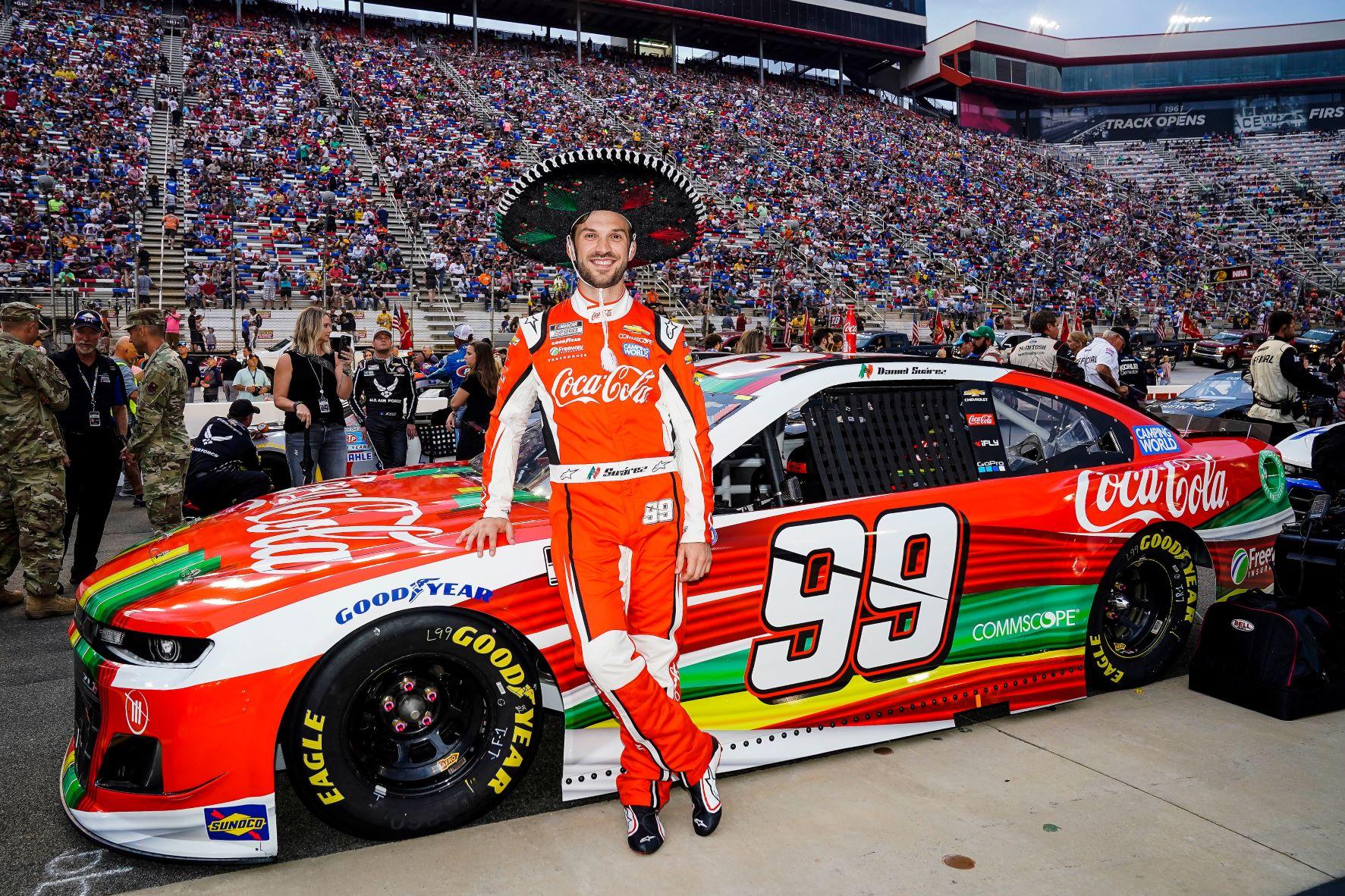 """DANIEL SUÁREZ: """"ESTOY MUY ORGULLOSO DE MI HERENCIA. ES UN HONOR SER EL ÚNICO PILOTO NACIDO EN MÉXICO EN NASCAR"""""""